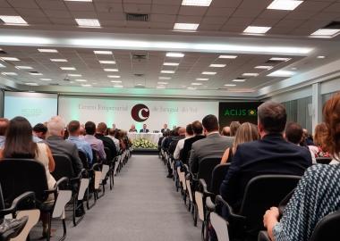 Encontro de gerações marca transição de diretorias na Associação Empresarial de Jaraguá do Sul