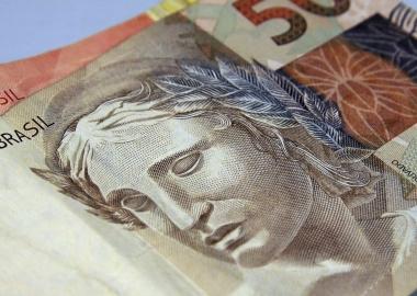 Lei do super endividamento é avanço nas relações de consumo, avalia ACIJS